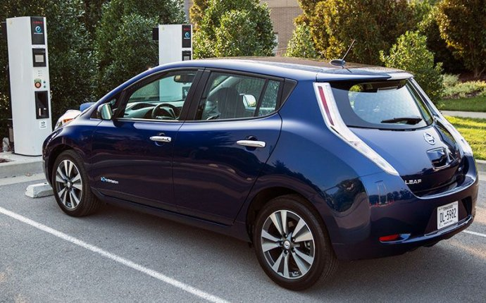 10 of the Longest Range Electric Cars | Autobytel.com