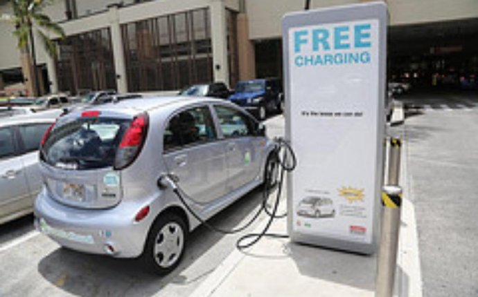 Charging an Electric Car How Electric Cars Work