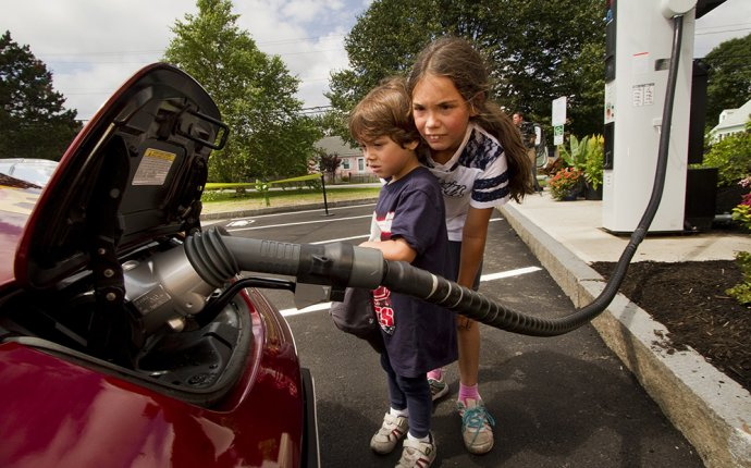 Quick-charge stations installed as a spark in southern Maine